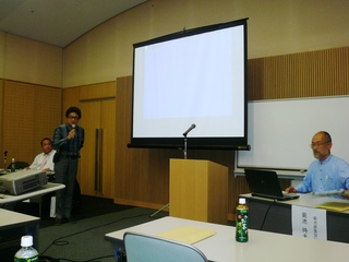 北陸支部技術部会長のヤマダタッケンの山田社長の閉会の挨拶.JPG